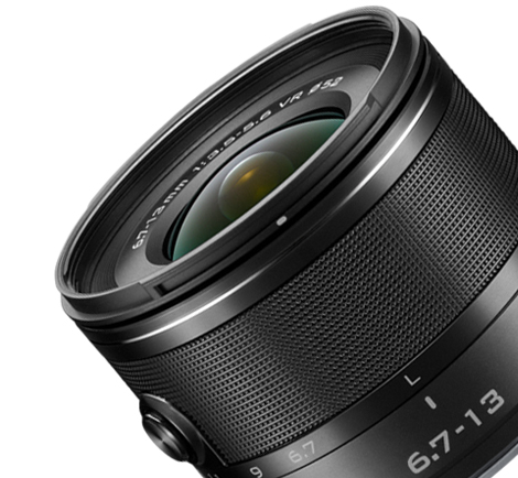 product shot of the 1 NIKKOR 6.7-13mm f/3.5-5.6 VR lens