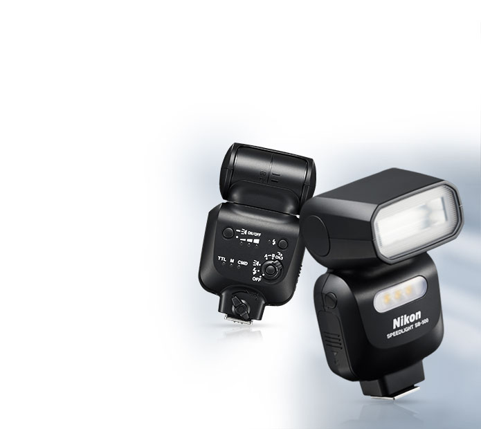 Front and rear views of the SB-500 AF Speedlight flash