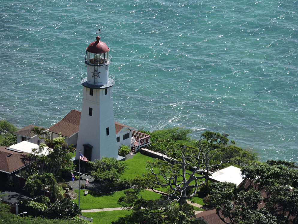 zoom slider - closer view showing lighthouse from above