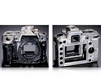 Photo showing the front and rear view of the Nikon D7000's magnesium alloy chassis